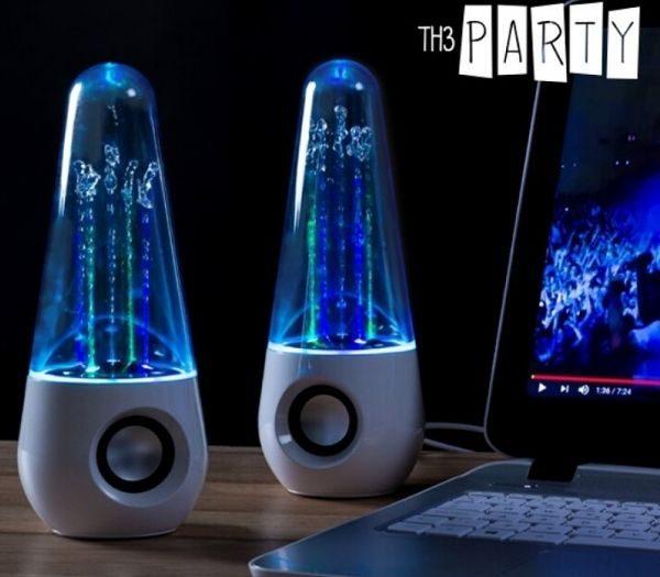 Dancing water speakers gave til teenage drengen