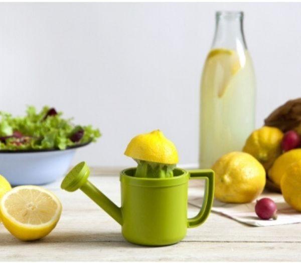 Vandkande citruspresser gadget til køkkenet